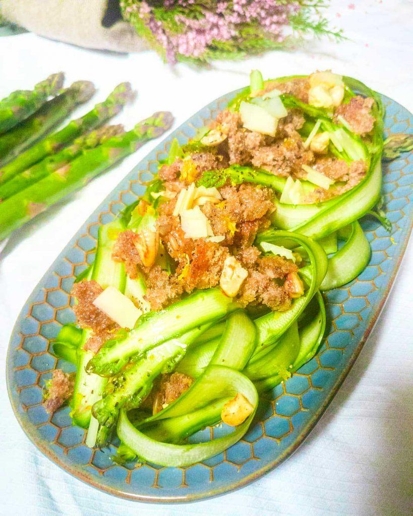 carpaccio asparagi crumble di avena